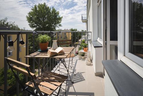 Wykończenie balkonu – jakie płytki sprawdzą się najlepiej?