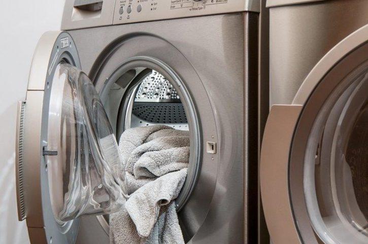 Jak łatwo odkamienić pralkę?