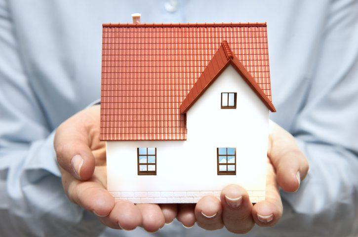 Jak przygotować zachęcające ogłoszenie sprzedaży domu?
